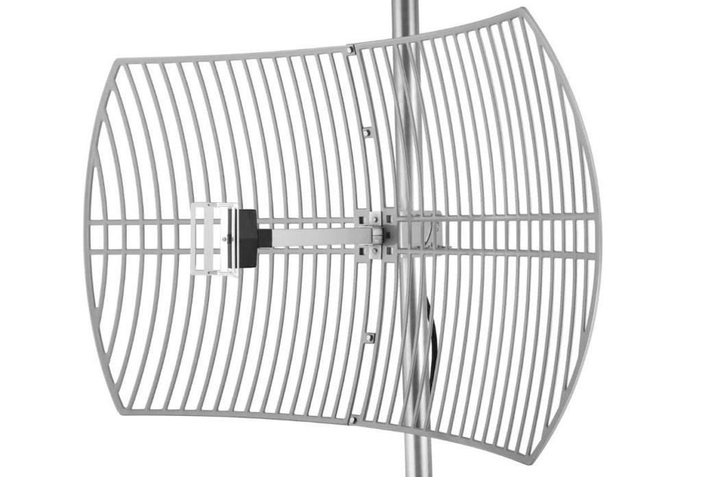 Ejemplo de antena direccional. Las antenas para uso no profesional son más pequeñas y normalmente de plástico
